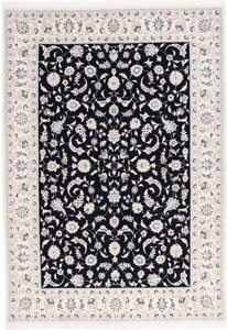 Nain 9Lah Persian rug. Wool 9La Nain Persian carpet with silk